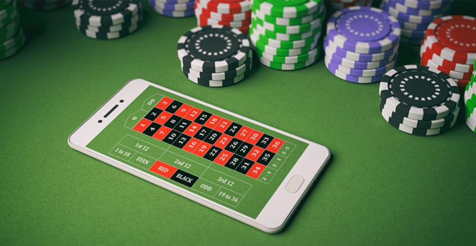 Few Benefits of gambling at Online Casinos